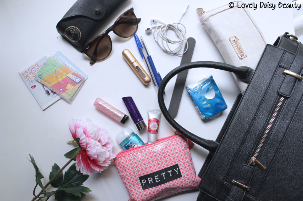 What's in my bag ? | Dans mon sac à main