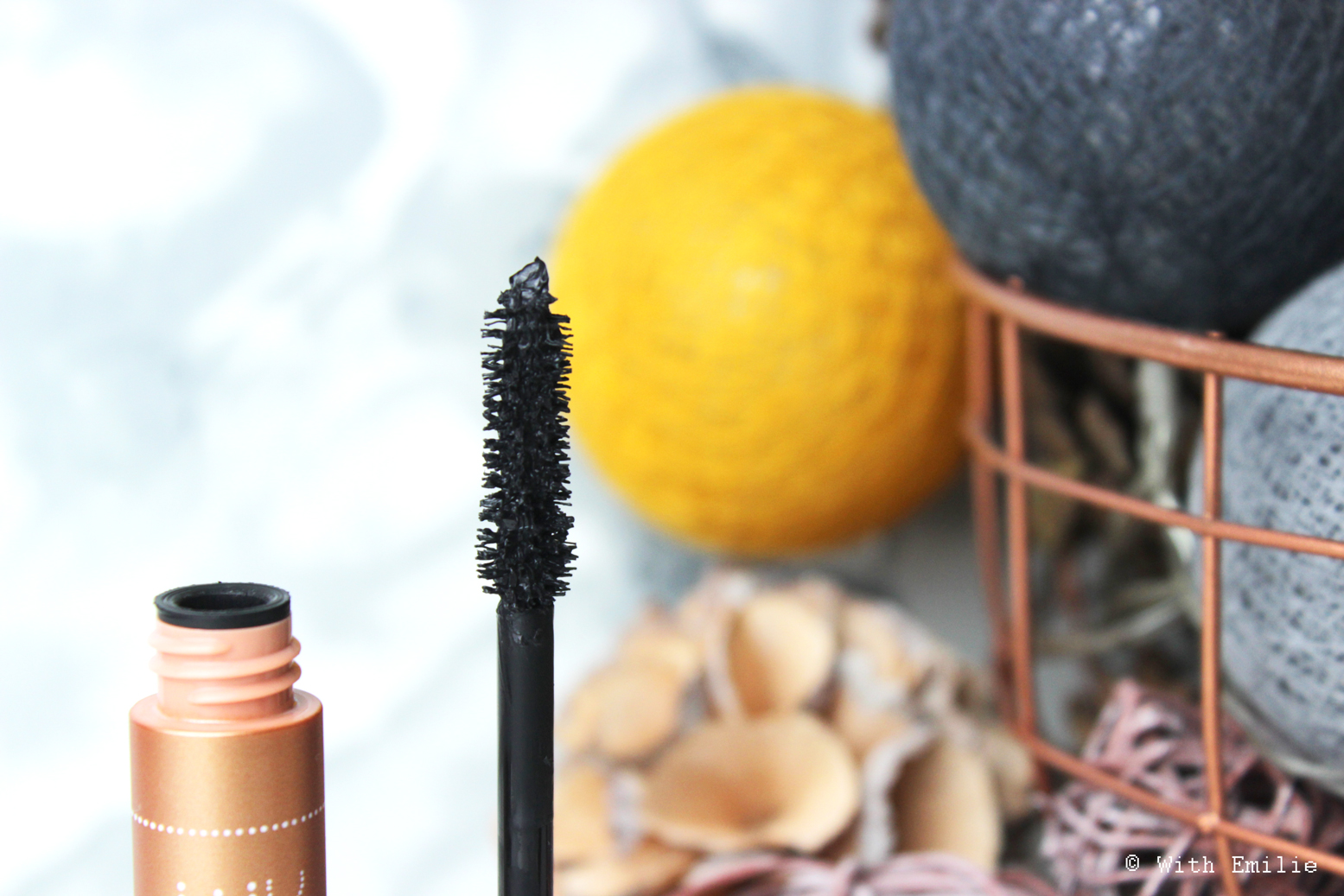 revue-review-paradise-extatic-mascara-loreal-makeup-withemilie.com-3