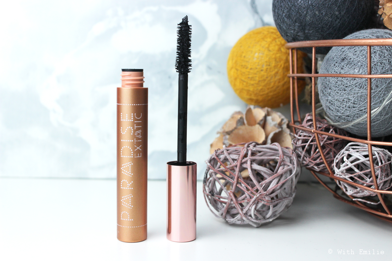 revue-review-paradise-extatic-mascara-loreal-makeup-withemilie.com-1