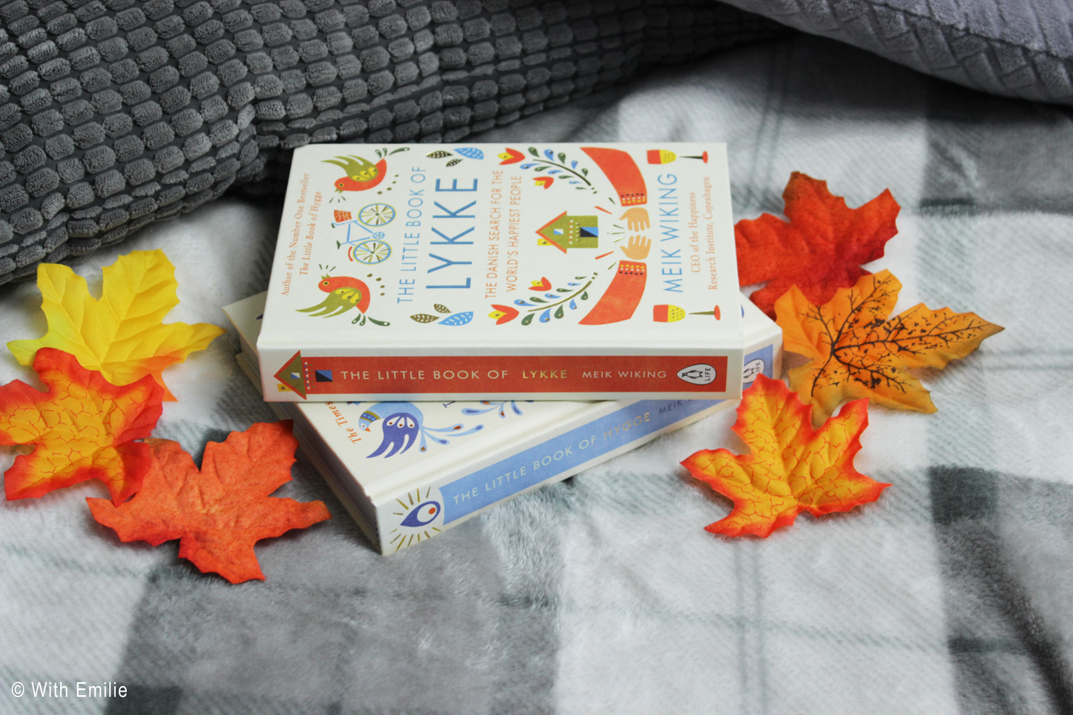 Little-book-of-hygge-lykke-fall-reading-books-livres-WithEmilie